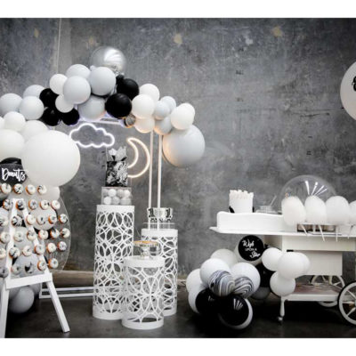 Black and white decor in function space